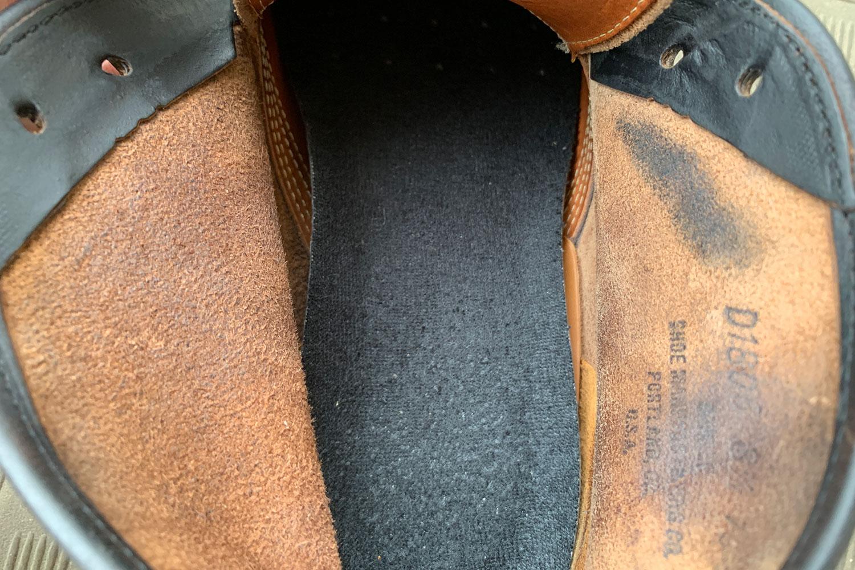 革 ブーツ 黒い汚れ